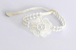 bracelet_en_dentelle_motif_fleur-1