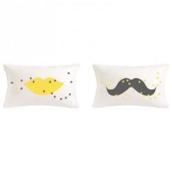 coussin_bouche_rectangle_jaune_étoiles_grises-1