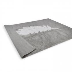 tapis-gris-plume-blanche-zoom.jpg