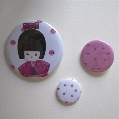 Badges assortis  kokeshi fille 4