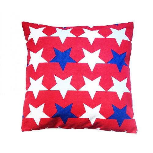 Coussin rouge étoiles bleu foncé, blanches et bleu ciel