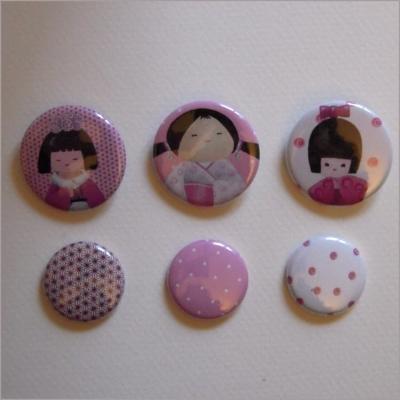 Collection de 6 badges assortis kokeshi fille 3