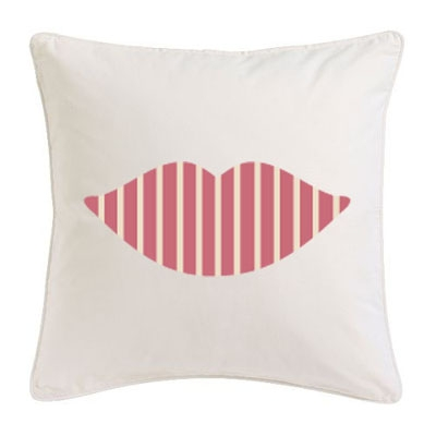 Coussin bouche rayé rose