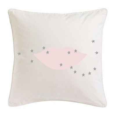 Coussin bouche rose étoiles grises