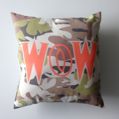 Coussin camouflage Wow