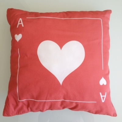 Coussin carte as de coeur rouge