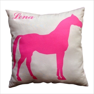 Coussin cheval rose personnalisable