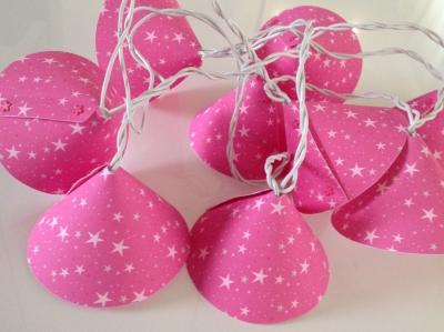 Guirlande lumineuse étoiles magiques roses fushia