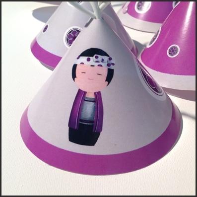 Guirlande lumineuse Kokeshi garçon violet
