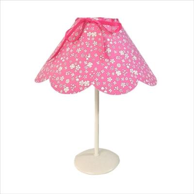 Lampe à poser abat jour festonné liberty rose