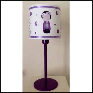 Lampe à poser kokeshi garçon violet