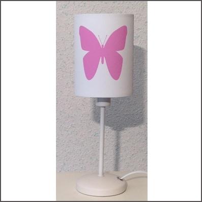 Lampe à poser papillons rose personnalisable