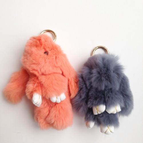 Duo de porte-clés lapins corail et gris anthracite