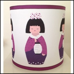 Abat jour ou Suspension kokeshi fille au lampion personnalisable