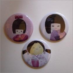 Badges 3 kokeshi filles 1