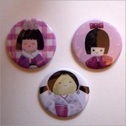 Badges 3 kokeshi filles 2