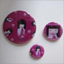 Badges assortis  kokeshi fille 3