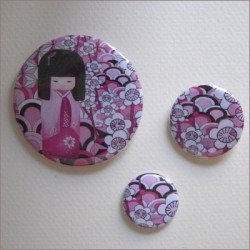 Badges assortis  kokeshi fille 6