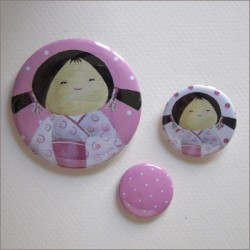 Badges assortis  kokeshi fille 7