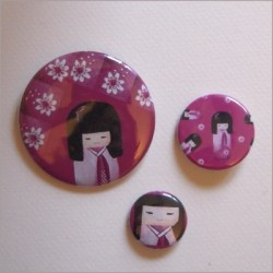 Badges assortis  kokeshi fille 9