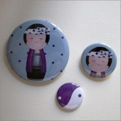Badges assortis  kokeshi garçon 1