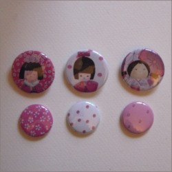 Collection de 6 badges assortis kokeshi fille 2