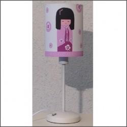 Lampe à poser petite kokeshi rose personnalisable