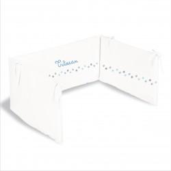 lili pouce tours de lit tour de lit frise toiles bleu ciel personnalisable. Black Bedroom Furniture Sets. Home Design Ideas